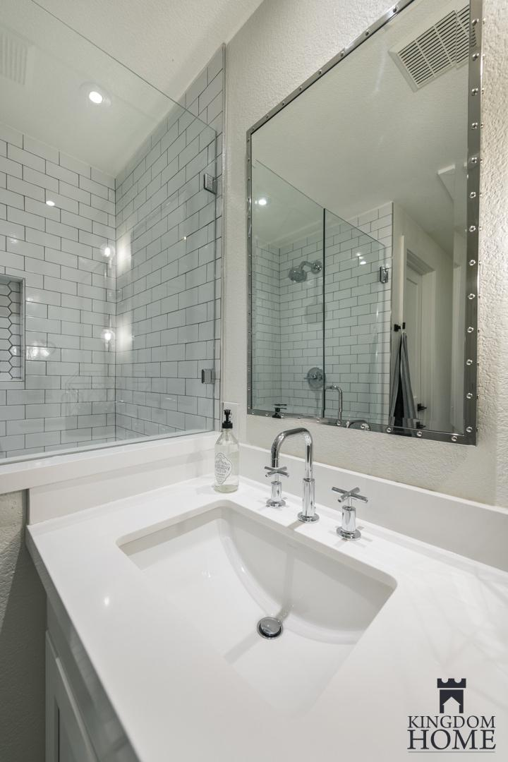 renovated home with tiled bathroom